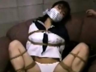 Japanese teen bimbo in uniform sucks cock