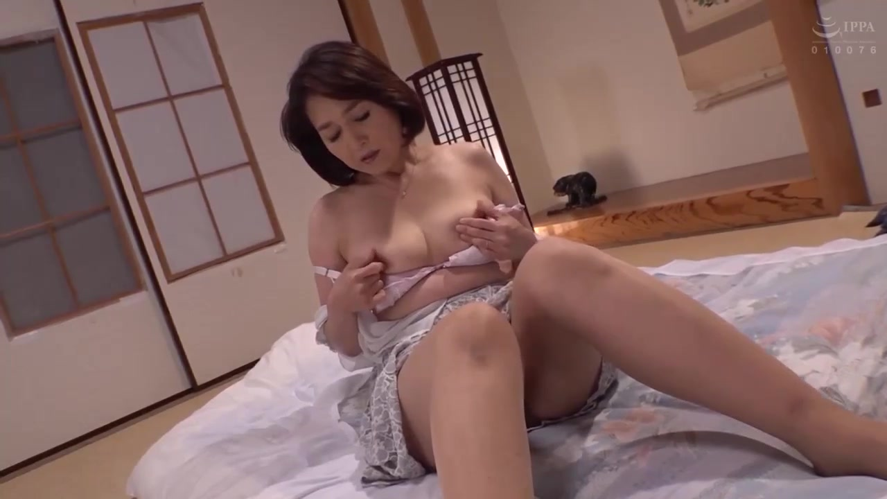 HOT JAPONESE MOTHER IN LAW 13020