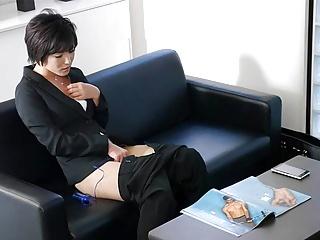 Japanese secretary Hasumi is masturbating, uncensored