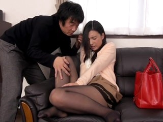 Uncensored Gorgeous Young Wife Iori Kogawa Gets Creampie In Front Of Her Helpless Husband
