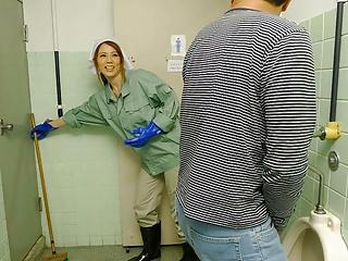 Japanese cleaner Maki Koizumi sucks dick, uncensored